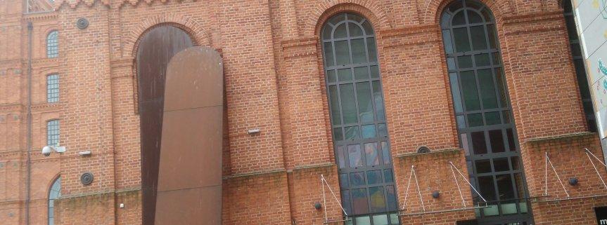 16 marca kl. VII była na wycieczce w Muzeum Sztuki Nowoczesnej  i w Muzeum Fabryki w Łodzi na ternie Manufaktury.