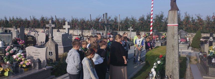 Wycieczka szlakiem zabytkowych kościołów i miejsc pamięci narodowej w gminie Nowa Sucha.